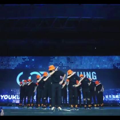 RMB《不如跳舞》在WOD北京赛区嘉宾SHOW,大家真的很帅超嗨,#舞蹈#就应该这么玩,对吧,做什么都不如跳舞哈哈哈,可以来@RMBCrew 一起学习!期待RMB带来更多惊喜吧!#JowVincent#分享