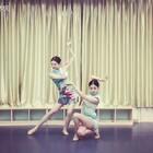 哟西,我和蕊的古典来咯~鼓掌👏@马鑫蕊Linda 我觉得我以后就编编古典吧,实在跳不动了😶这一口气给我们两个憋的哟🙈#舞蹈#✨黄龄-软绵绵✨不管怎么样,你们都要夸夸我们,不然以后不敢跳了😬😬(大枫微博👉https://weibo.com/u/1918793231 )
