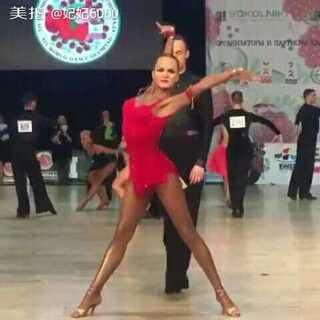 #舞蹈##拉丁舞#这大长腿😍💐