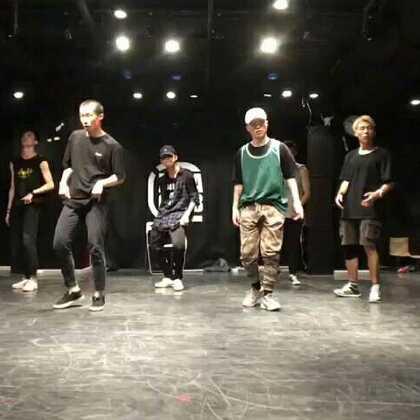 [cover]'own it' choreography by brian puspos,跳这种hold的舞发现自己还有很多不足,但很喜欢,再接再厉