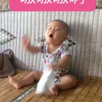 看到一个留言问大家的宝宝七八个月的时候喜欢吼吼叫叫吗,去翻看了柚子8个月的视频,哈哈哈这颗卤蛋好吵哦😂#宝宝#