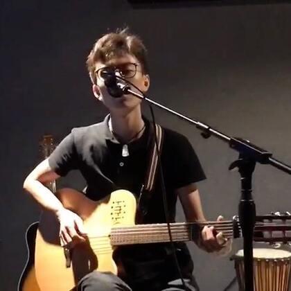 歌名:男孩 #吉他弹唱##音乐##我要上热门#@美拍小助手