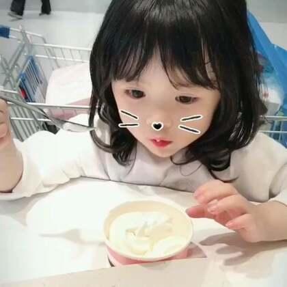 小吃货的欢乐时光~😊#宝宝#