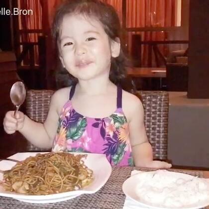 #annie环游记#马来西亚🇲🇾刁曼岛,昨晚晚饭视频给在中国十分想念annie的annie外婆😘#宝宝#