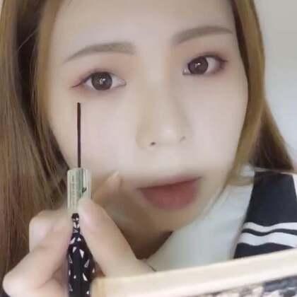 一个技术贴:新手涂出超完美睫毛的方法~(废话虽多,道理都在) 几个月前拍了的忘记发,里面用的睫毛膏很好用但花卷没卖了,所以你们看看就好😂#美妆时尚#