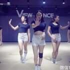 还能认出视频里的女孩吗?来自韩舞班的Good Girls,两节课一个舞蹈,有速度也有效率。更多更好的学员展示,持续上线,加油~暑假集训微信18573182828#舞蹈##韩舞##我要上热门#@美拍小助手 @长沙【VIEW】舞社