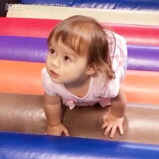 我要一步一步往上爬呀 😆#宝宝##混血宝宝##混血儿#