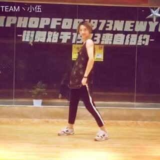 #BLACKPINK# 《AS IF IT'S YOUR LAST》MV #舞蹈# 找了MV和花絮里的动作连在一起 ! 我也是被这歌给洗脑了!😘😘#敏雅舞蹈#