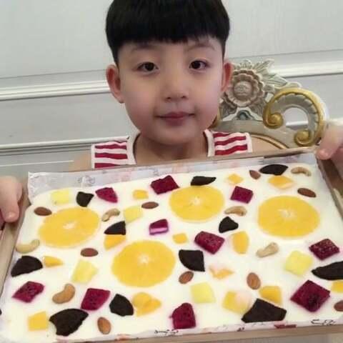 水果冻酸奶~天气太热了,这个...