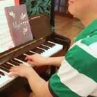 蔡老师的课堂很生动形象,可以帮助大家解决问题!喜欢的朋友加微信13883216566,带你们进钢琴群,蔡老师定期会分享教学经验!#U乐国际娱乐##男神#
