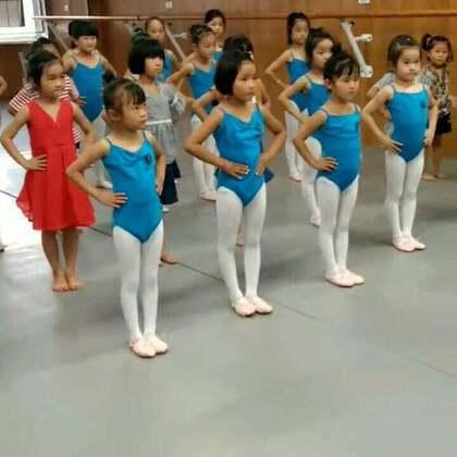 #零基础学员第一节课##舞蹈##宝宝#宝宝学的民族舞😘😘😘