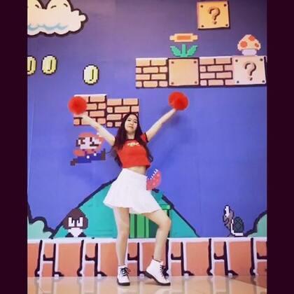 Happy-宇宙少女#舞蹈#这个道具等的我心都累了🌝超喜欢这个舞 背景敲可爱吧~#元熙舞蹈#下个视频和豆豆安安熊熊合体!!点赞转发评论爱你们❤@舞蹈频道官方账号 @美拍小助手