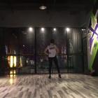 活久见!#刘亦菲#发了一段跳舞的视频,上一次看她跳舞还是十年前,没想到有生之年还能看到刘亦菲跳舞!😭