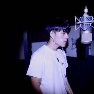 第一次尝试嘻哈说唱#中国有嘻哈##音乐#喜欢我唱歌的朋友可以支持下我的数字CD http://c.b1yt.com/h.969Uuo?cv=0ZvYZyGIsKz&sm=f01e61 音乐随时听