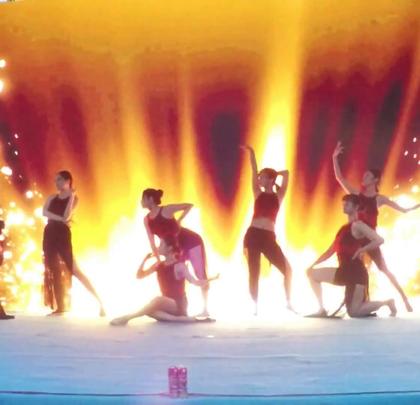 中瑞酒店管理学院2017毕业晚会 《魅Mei》——林柯妤和她的姐妹们 Choreography by 王润SOHANA #舞蹈##毕业快乐#