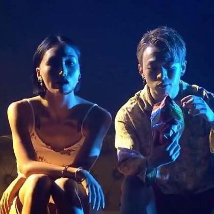 这是我和@王润HANA 从《舞林争霸》结束多年后的第一次舞台show《听吉他的鱼》现场版 最完整的一个版本 喜欢吗[二哈][二哈] .......#我要上热门##舞蹈##美拍运动季#