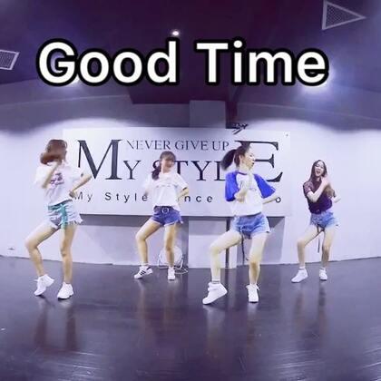 #舞蹈##good time#不知道你们有没有看过嘻嘻 喜欢面基的时候 希望我们四个能再聚到一起@辛德瑞拉熊熊熊 @安安🌚 @杨豆豆Smile 点赞评论转发❤️么么么@舞蹈频道官方账号