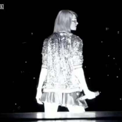 7.6万人演唱会座无虚席,只为听她嗨爆全场。Taylor Swift霉霉《Welcome to NewYork》,这气场6666 不听歌 就看看画面!!#音乐#