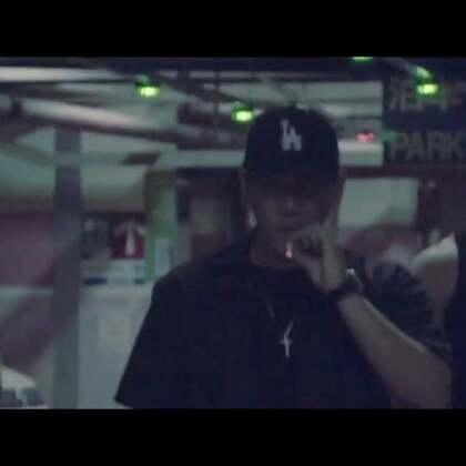 Gangsta lifestyle : When It Rain It Pours