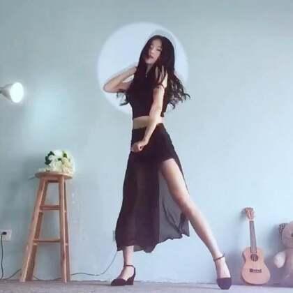 老歌#something#✨以前跳舞注重动作是不是一样,现在跳舞还是更喜欢自己的感觉✨来波性感风🌚#舞蹈##韩流一手党#@韩流一手党
