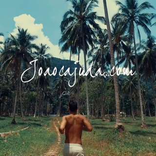国外网友João Cajuda分享的一段泰国旅游景点,介绍泰国各个角度的魅力瞬间,精致的佛塔佛像,美丽的海滩,丛林间的自由穿梭,美不胜收,抽空一定要去一次泰国!#旅游##泰国#