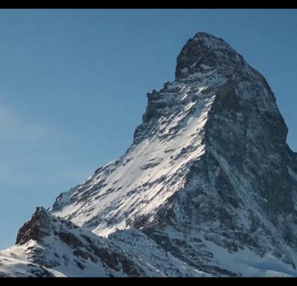 登山家的最爱,直指天际的马特洪峰!关注【拍秀旅行】微信公众号,获得更多#旅行#咨询。