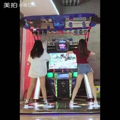 #舞蹈##clc-鬼怪#和@安安🌚 大宝贝儿的合跳 大家多多支持❤爱你们 最近在闭关~我会出来哒@e舞者官方 @e舞成名官方 @舞蹈频道官方账号 #跳舞机#去微博和我唠嗑儿吧🎈https://weibo.com/u/3892043426