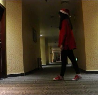 #舞蹈#去年平安夜前夕#美拍新人王#我觉得跳的一点都不好,一直在赶,可惜计划永远赶不上变化。。。#圣诞节#
