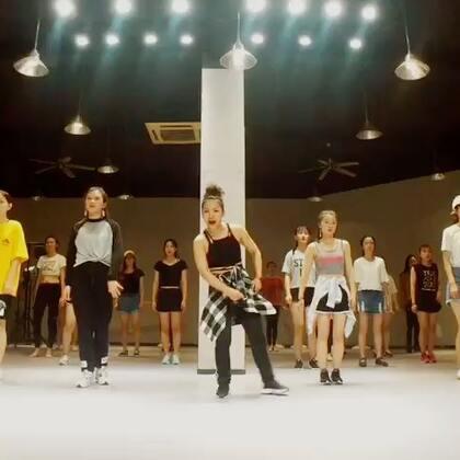 #南京1758爵士舞街舞#😁这周的#street jazz#基础班的随堂🙈无缝连接版,哈哈哈哈哈哈同学们越来越给力👍棒棒哒@南京1758爵士舞 学员展要报名的同学们抓紧咯😁😁😁