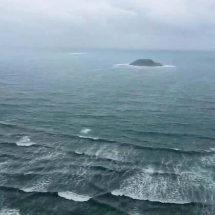 #海边度假#大海的声音,即便今日天空下着雨,也抵挡不了在海里浪的心,哈哈