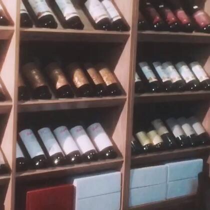 原瓶原装意大利进口红酒,一律批发价,有需要了解请添加微信哦
