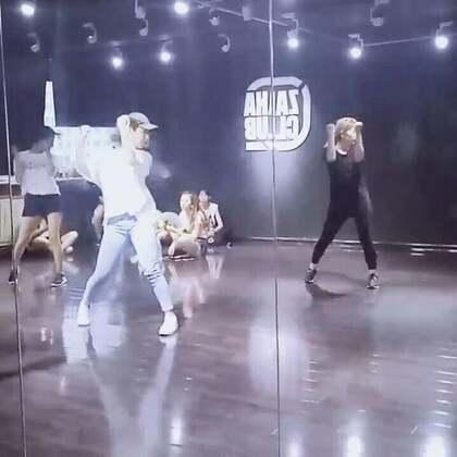 嘉禾舞蹈工作室西安未央店!@蚊子菌👣 蚊子老师JAZZ基础暑假班!课堂小视频!😜😜😜喜欢就来嘉禾西安店!我们等你哦!#热门##西安爵士舞##西安街舞暑假班#