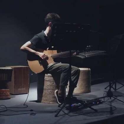 歌名:淘汰#音乐##吉他弹唱#很少唱陈奕迅的歌 跟跟风唱一曲儿😊#我要上热门#@美拍小助手