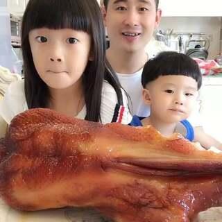 孩子们估计跟我一样,天天吃海鲜,不知道这些也非常好吃😂很久没有吃了,是真香啊,有木有流口水滴呢😓😓😓#吃秀##热门##美拍小助手#