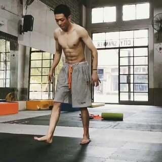 自学的托马斯,记录这两天的训练#跑酷##运动##广州#