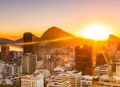 世界新七大奇迹之一——巴西里约热内卢!关注【拍秀旅行】微信公众号,获得更多#旅行#咨询。