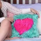DIY超舒服的毛绒抱枕~睡觉的时候抱着肯定超有安全感吧!@半夏食谱,这个你喜不喜欢? #手工##DIY##我要上热门#