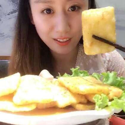 火锅😍😍😍深夜放毒😂#含妹子吃播#最喜欢涮猪大肠😂油多的过瘾😂赞赞赞#5分钟美拍##吃秀#