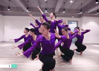 派澜#中国舞#学员结课视频《似水年华-命宿》何必何必一世随苍穹,百年后韶华白首;不如不如抛却一江愁,踏月来举杯共我。指导老师:蒋罡夫#我要上热门##舞蹈#@美拍小助手@舞蹈频道官方账号