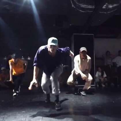 I had a crazy class at EnDance || thanks everyone who show up 🙏🙏 • Aritz Choreography • Rake it up - Yogotty ft. Nicki Minaj • #en dance studio##nicki minaj##choreography#