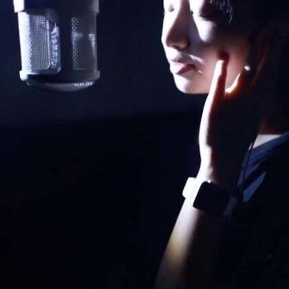 好久没发视频了,一首《忽然之间》送给你们#音乐##录音棚歌手# 微信xiaoyazi798