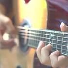 最近《三生三世十里桃花》的电影版想必大家都看了~那么我们一起来回顾下这首经典的主题曲《凉凉》的#吉他弹唱# 。。。#音乐##三生三世十里桃花# @美拍小助手@美拍音乐速递@音乐频道官方账号
