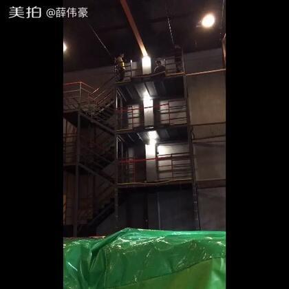 今天去参加上海一个花式跳楼比赛,获得第三名哈。#美拍运动季#