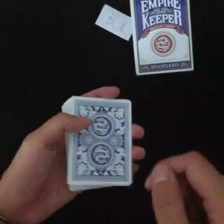 大晚上睡不着 给大家发视频😂😂😂预言魔术#美拍小魔术##趣味小魔术##纸牌魔术#@美拍小助手 @美拍每日精选 @美拍精彩合集 @美图手机