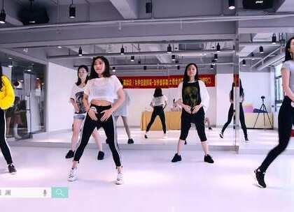 """派澜#爵士舞#教练班美眉们CIP考级视频 有人说""""#舞蹈#教育重在过程,考不考级并不重要""""。但是考级,体现的是一种对舞蹈的态度,而对待舞蹈的态度,就是我们对待生活的态度。考官:蒋罡夫、邓媛老师#我要上热门#@美拍小助手@舞蹈频道官方账号"""