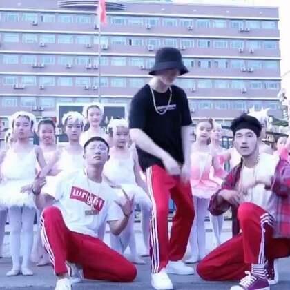 白光组合又一只高大上的MV《全部都是你》新鲜出炉啦,白光组合的《中国有嘻哈》?哈哈哈哈哈#美拍有嘻哈##音乐##搞笑# @美拍小助手