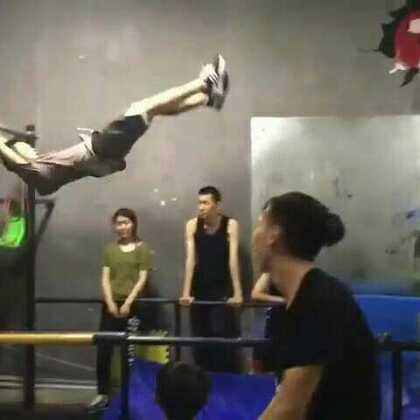 济南CITY JUMPER跑酷训练场馆#美拍运动季##我要上热门@美拍小助手#