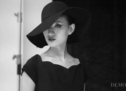 #大连蒙妮坦摄影学校#人像摄影复古时尚大片拍摄😃😃