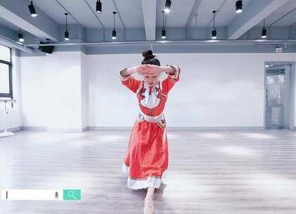 派澜侯佳欣老师带来#蒙古舞#《遥远的妈妈》对母爱的感恩都在#舞蹈#中表现得淋漓尽致,极度情深。能让浮躁的人静下心来观赏的舞蹈#我要上热门#@美拍小助手@舞蹈频道官方账号