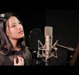 #清晨录音棚#《心动》算是一首非常经典的情歌了,这样的嗓音才是这首歌的标配!翻唱的是一位只有15岁的美少女哦~😘加上《怦然星动》的电影片段剪辑,感觉到位了! #心动##美女# @美拍小助手